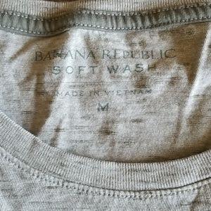 Banana Republic Shirts - Banana Republic Men's Soft Wash T Shirt